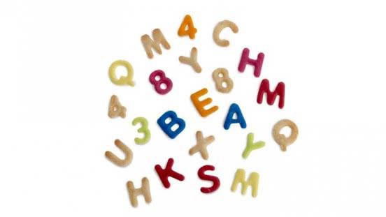Decora Ausstecher Alphabet und Zahlen 36tlg