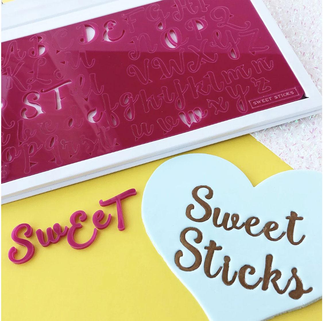 Sweet Stamp SWEET STICKS Prägeset - Groß-und Kleinbuchstaben