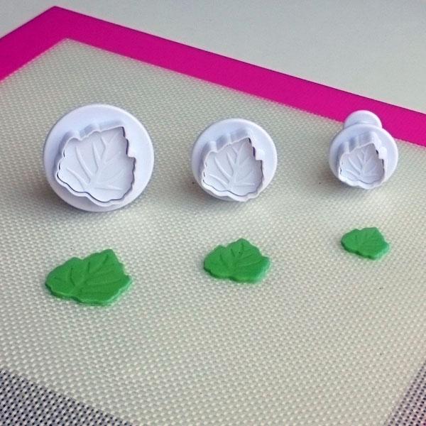 Cake Star Ausstecher mit Auswerfer - Leaf 3tlg