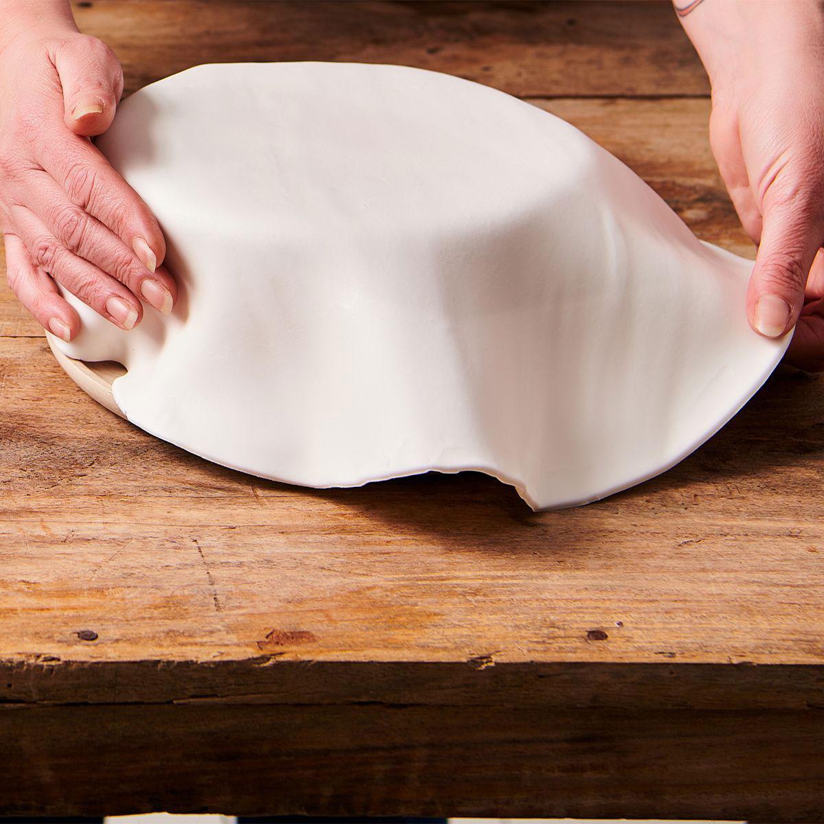 Funcakes ausgerollte Fondantdecke - Bright white 36cm
