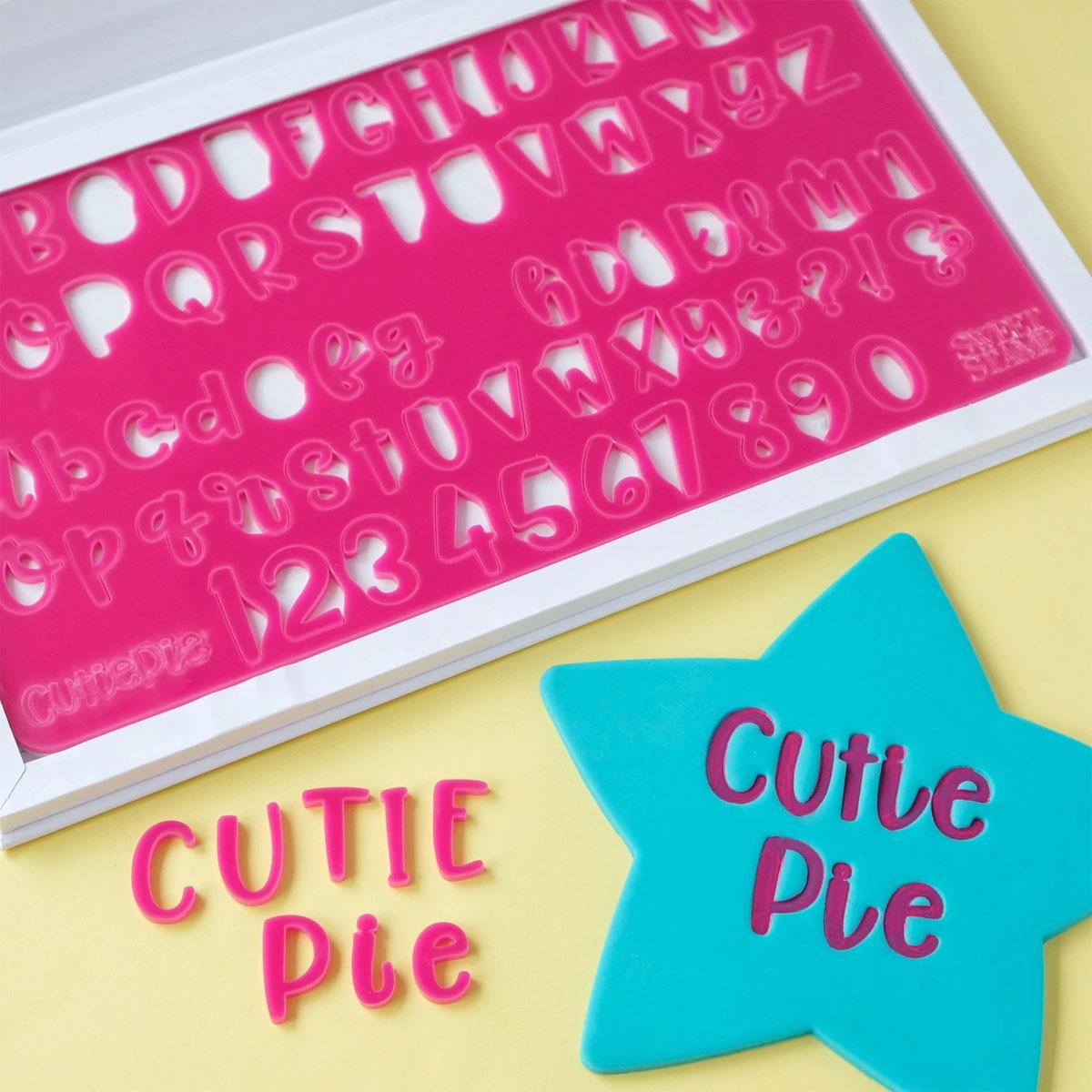 Sweet Stamp CUTIEPIE Prägeset - Buchstaben, Zahlen & Symbole