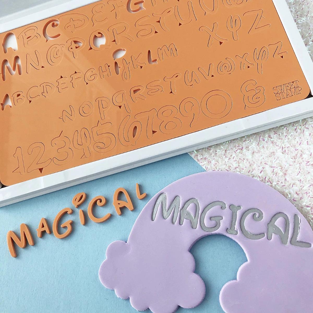 Sweet Stamp MAGICAL Prägeset - Groß-und Kleinbuchstaben