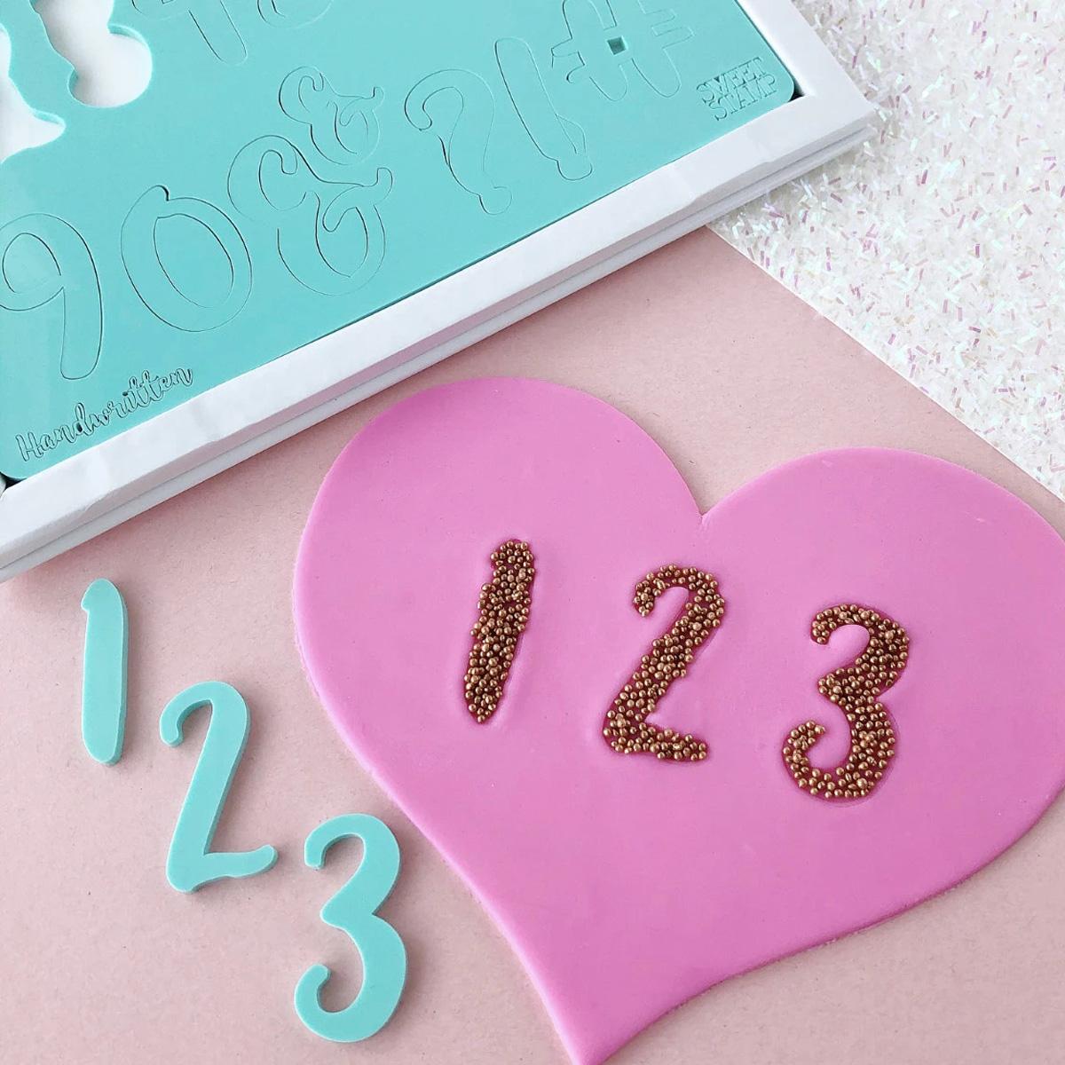 Sweet Stamp HANDWRITTEN Number Prägeset - Zahlen