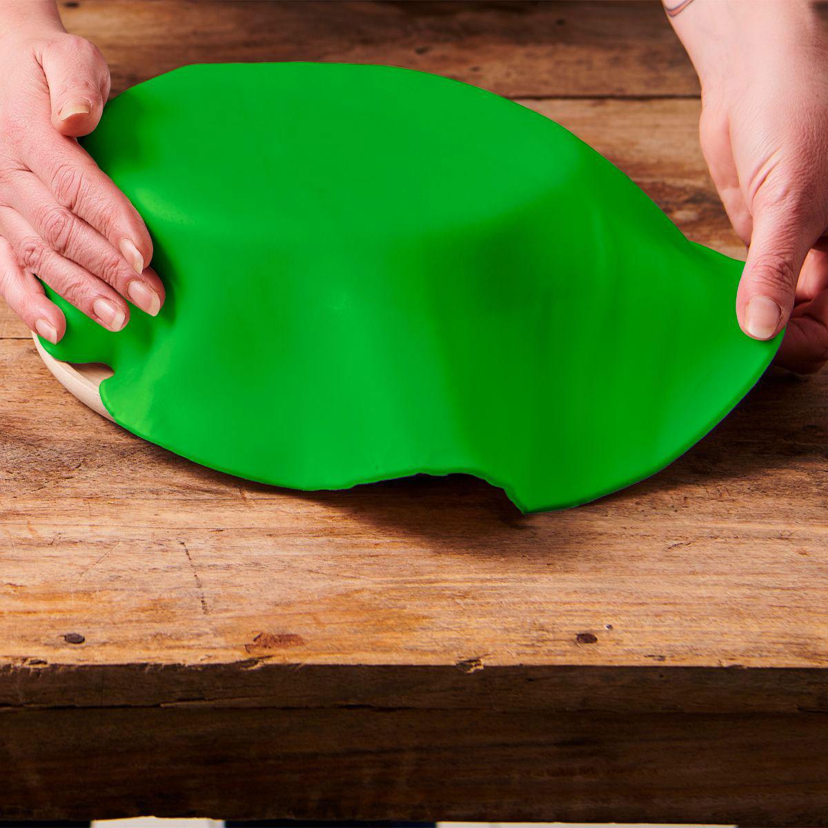 Funcakes ausgerollte Fondantdecke - Grün 36cm